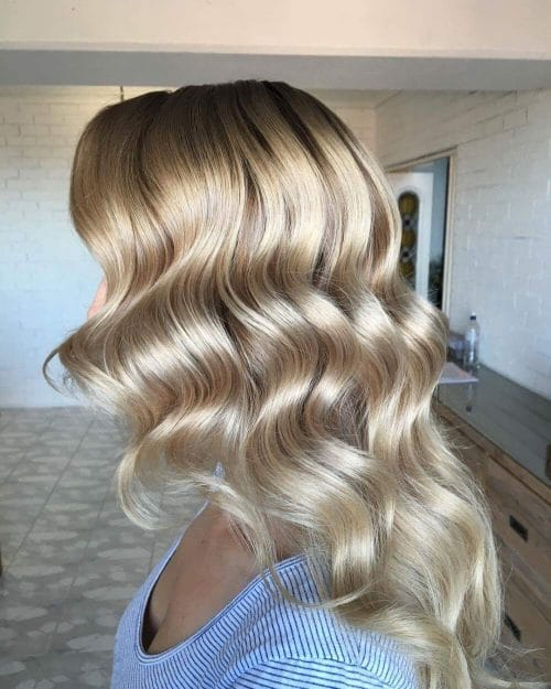 1930s-Inspired Waves hairstyle