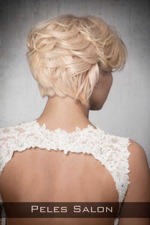 Soft-Feminine-Short-Layered-Hairstyle-Back