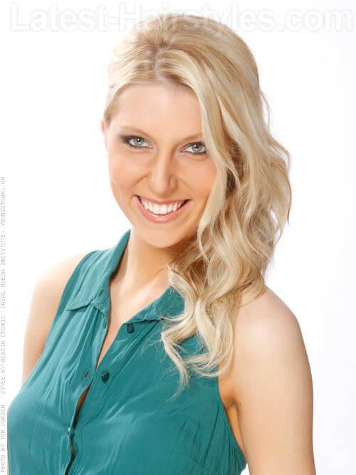 Blonde Beauty Pretty Long Wavy Look