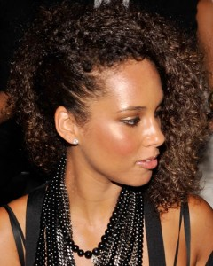alicia keys with one-sided hair