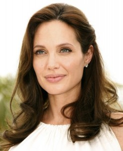 one-sided hair on angelina