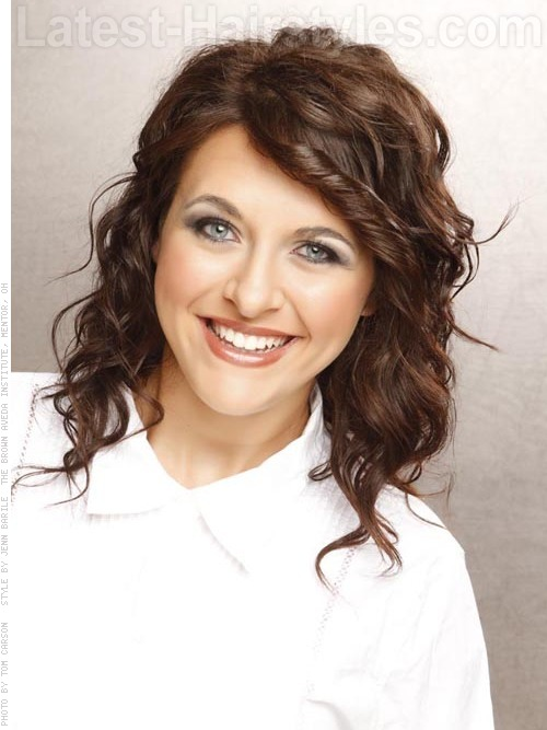 Medium hairstyle with chocolate brown hair color