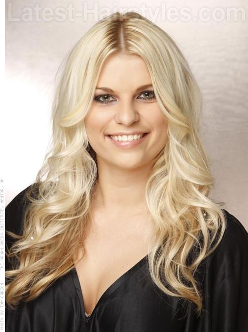 Long Hairstyles for Square Faces Blonde Layered Hair