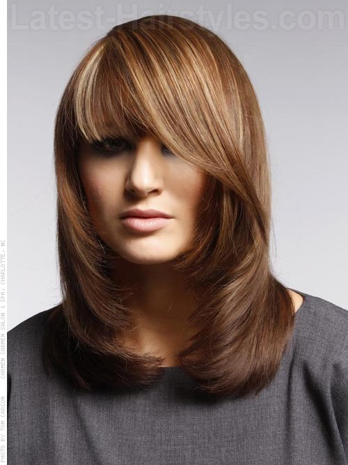 A medium length hairstyle for women with a square face shape