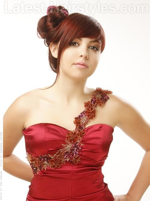 Crimson Beauty Pretty Bun Hairstyle Prom Updos