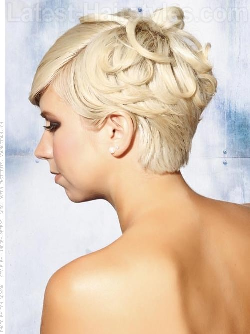 Blonde Pincurls Cute Fun Look Side View