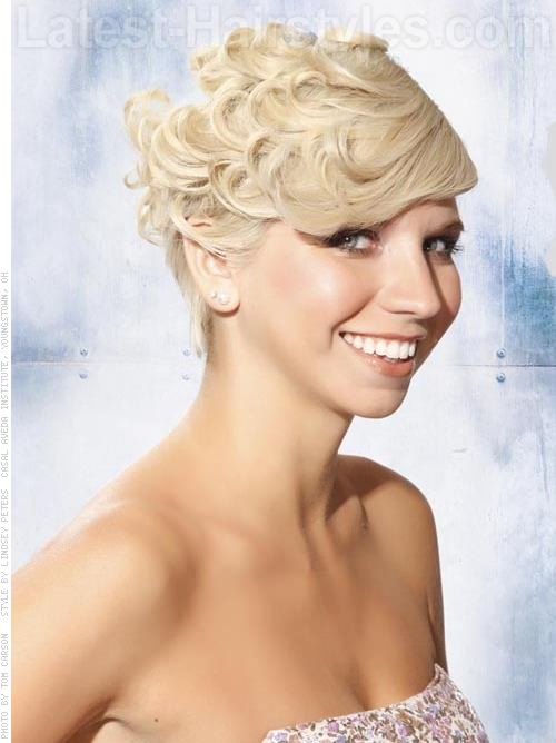 Blonde Pincurls Cute Fun Look