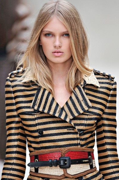 burberry runway hair trends