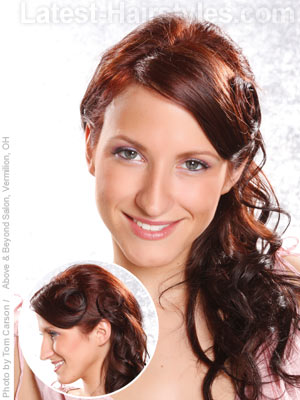 Pin up girl style side ponytail for long hair