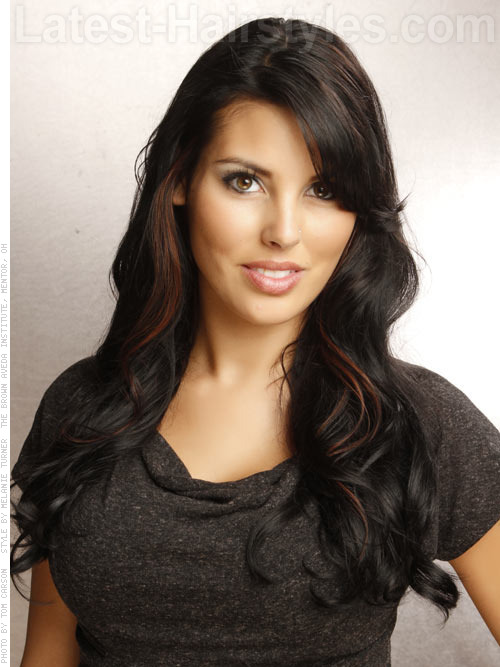 dark brunette wavy hairstyle