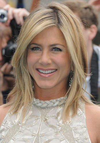 Superb 10 Celebrity Hairstyles For Medium Length Hair Hairstyles For Women Draintrainus