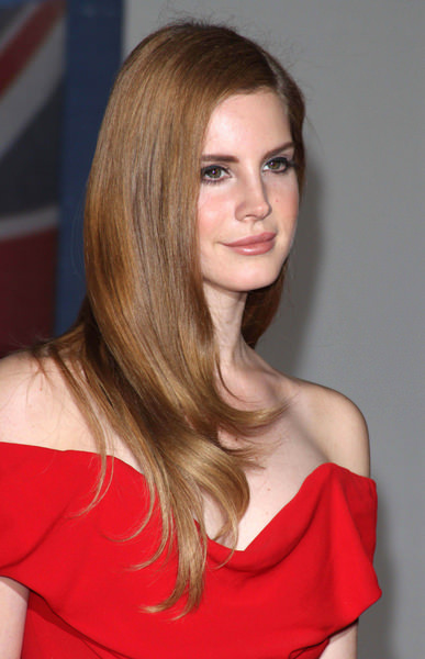 Lana Del Rey hair color