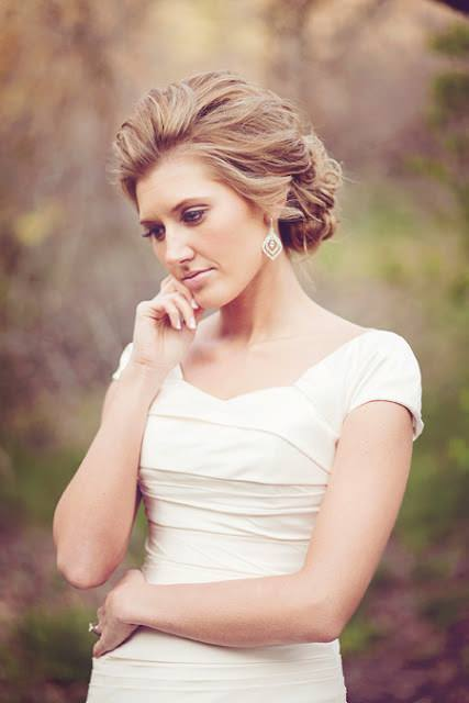 classic hairstyle for your wedding dress