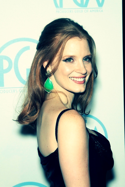Jessica Chastain half up hairstyle