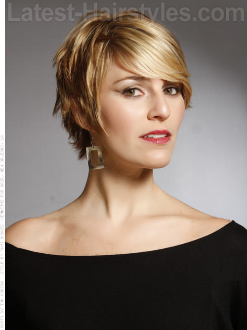 Blonde Textured Beachy Pixie Short Haircut
