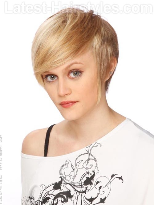 Lovely Sideswept Blonde Short Haircuts Long Bangs