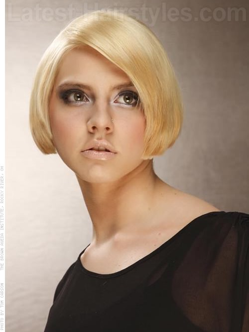 Short Blonde Bob Dramatic Haircut