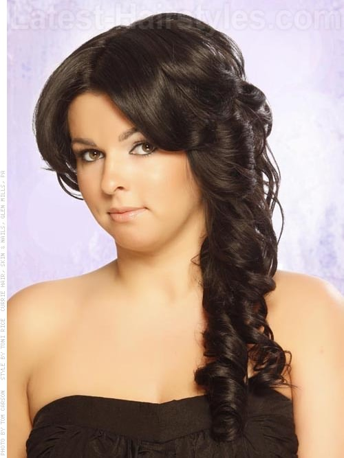 dark chocolate wavy full look view 2 20 Winter Hair Colors We Absolutely Really like hairstyles