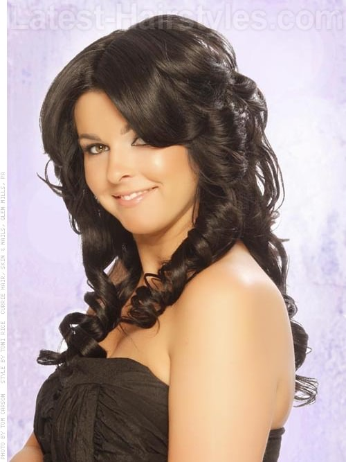 dark chocolate wavy full look 20 Winter Hair Colors We Absolutely Really like hairstyles