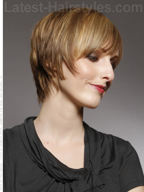 Short Sassy Shag Hairstyle For Long Faces - Side View