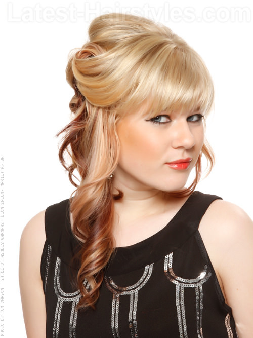 split personality pale blonde look 20 Winter Hair Colors We Absolutely Really like hairstyles