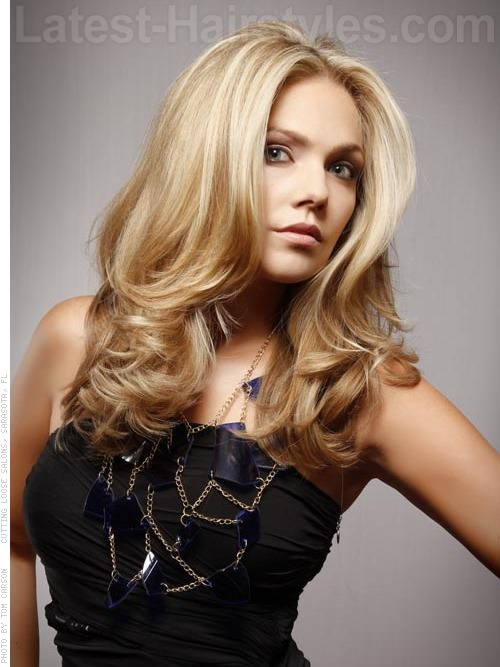 Long Blonde Casual Straight Style with Waves