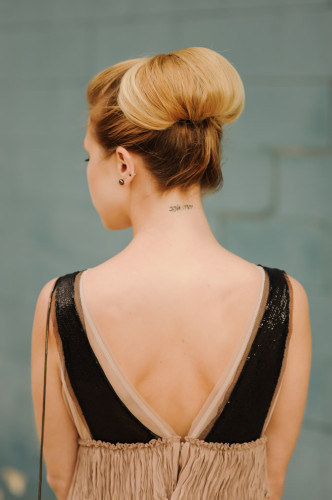 high twisted chignon tutorial