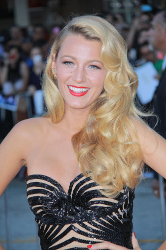 blake lively hair curly
