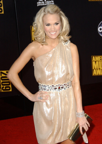 Carrie Underwood pinned back bangs