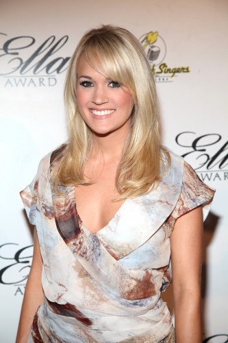 Carrie Underwood shoulder length hair