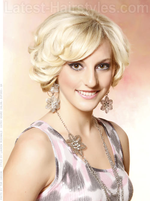 Glammed Up Goddess Short Blonde Style with Short Sassy Layers