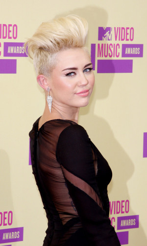 Miley Cyrus pompadour hairstyle