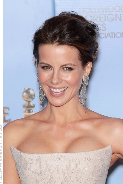 Stupendous Middle Part Hairstyles 11 Flattering Ways To Pull One Off Short Hairstyles Gunalazisus