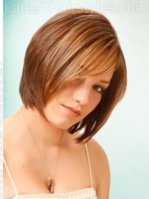 Triangle Layered Bob Brunette Straight Look