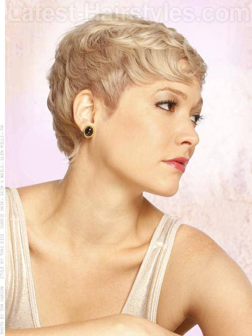 Perfect Pixie Blonde Look Short Haircut with Texture