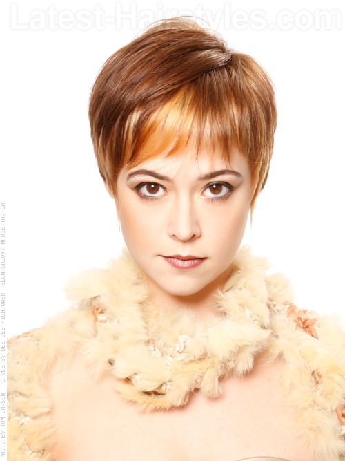 Textured Temptress Highlighted Short Pixie Haircut