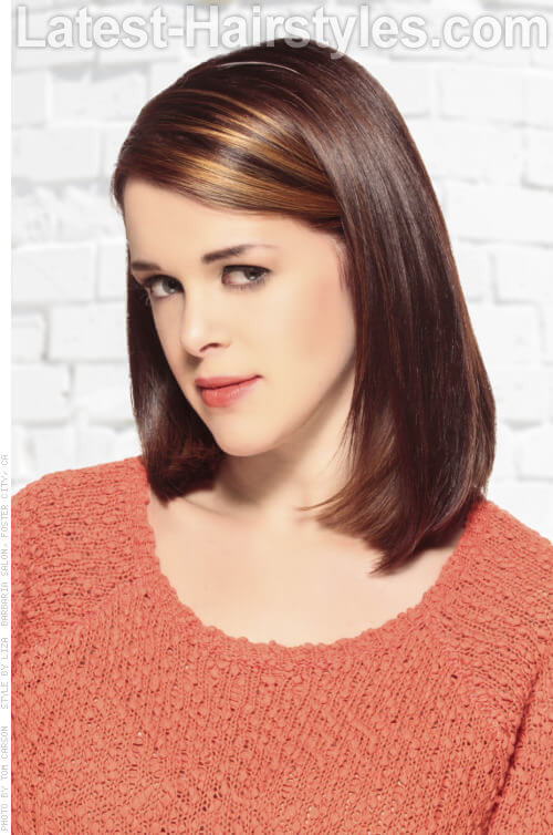 Brunette Haircolor with Front Highlights