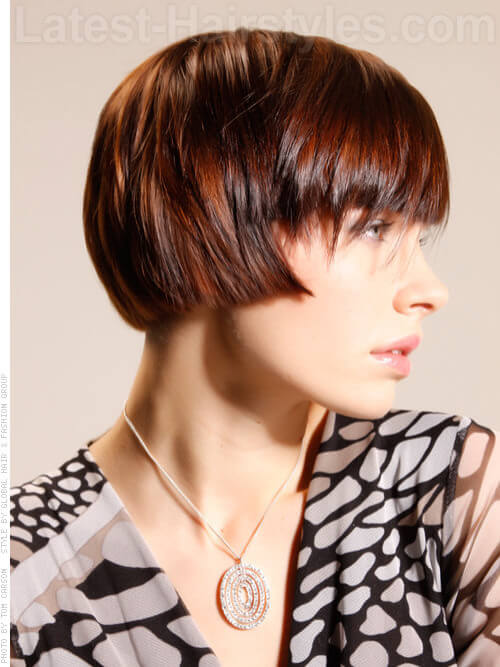 Cheekbone Spotlight Straight Fringe on an Angle Side View