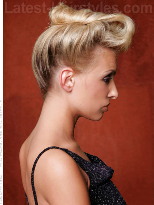 Highlighted Hottie Full Blonde Hair Side View