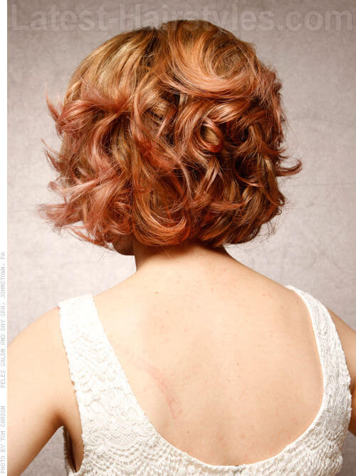 Marilyn Magic Retro Wavy Bob for a Round Face Back View