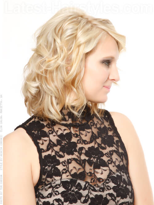 Platinum Beauty Blonde Highlights Wavy Style Side View