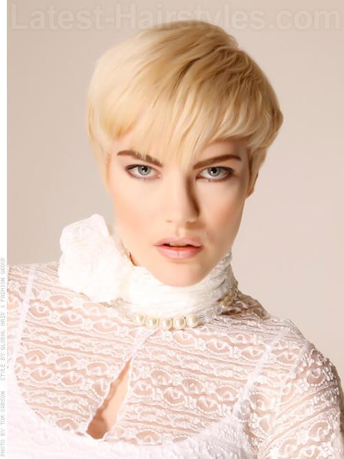 Golden Fur Platinum Blonde Look