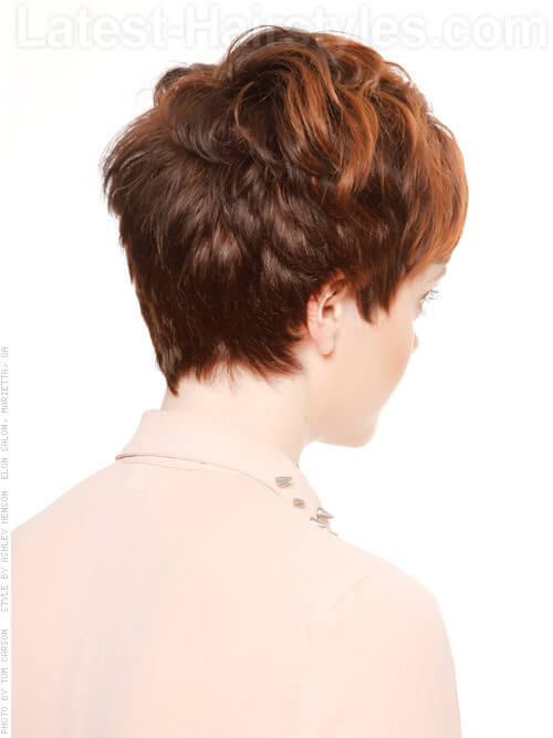 Pretty Simple Short Wavy Hairstyle Side View