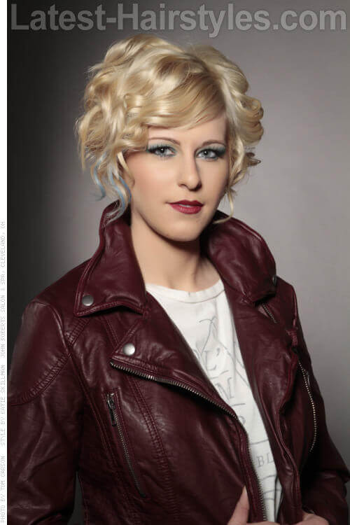 Short Blonde Hairstyle with Curls