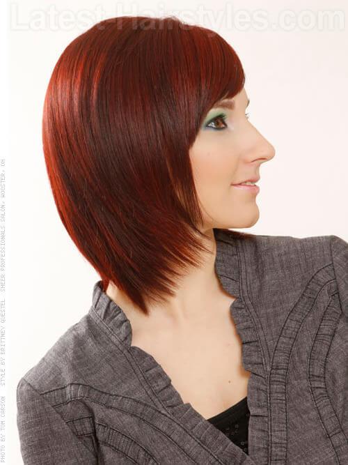 Mid Länge Chic Red Stil mit Bangs Strukturierte Ends Seitenansicht