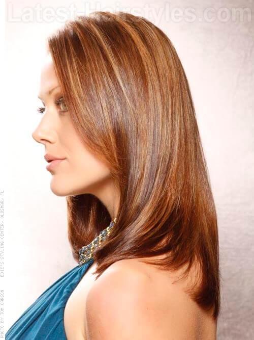 Round Schichten Seidig glatte Frisur Brunette Seitenansicht