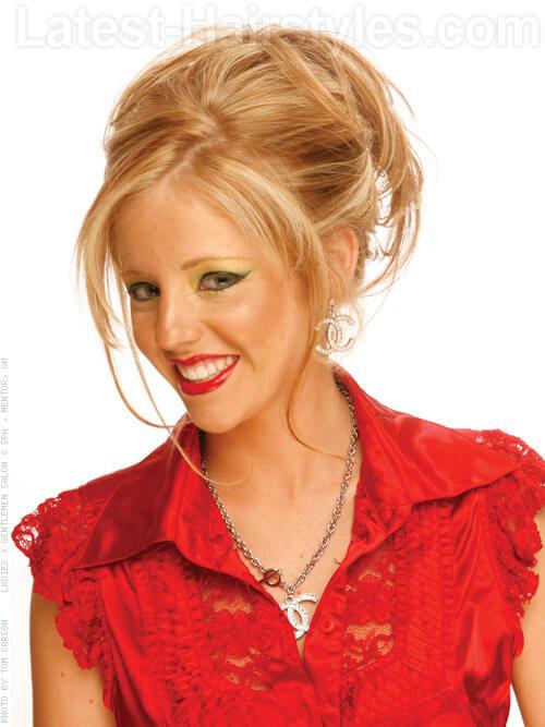 Soft Elegance Sandy Blonde with Highlights