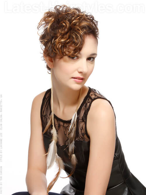 Stylin Asymmetry Cropped Curly Look