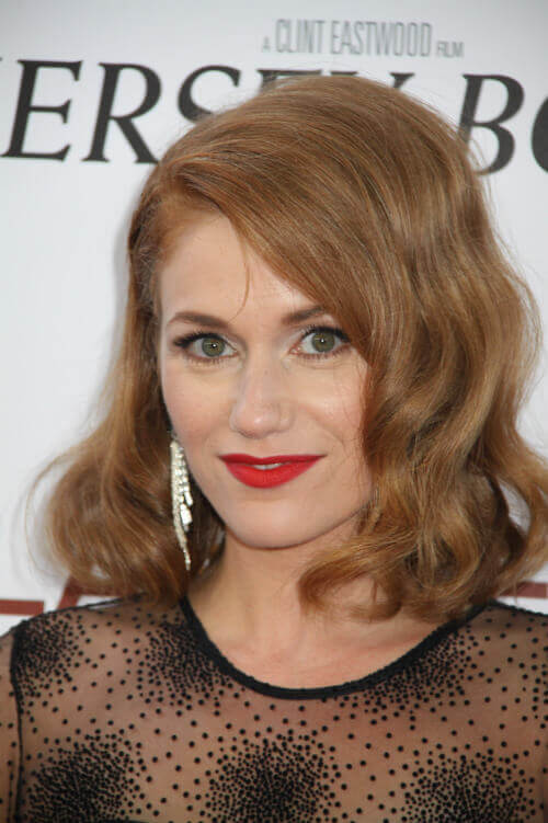 Erica Picininni Wavy Hairstyle
