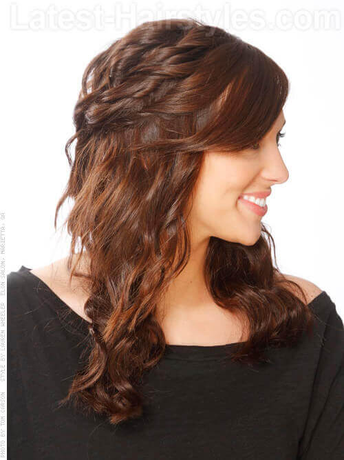 Layered Cute Hairstyle For Curly Or Wavy Hair Side View